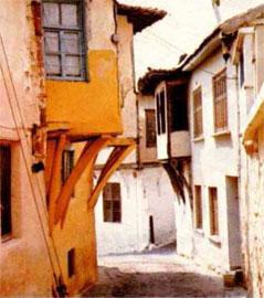 Σπίτια στη διατηρητέα περιοχή της Ξάνθης που φτιάχτηκαν από καστοριανούς τεχνίτες.