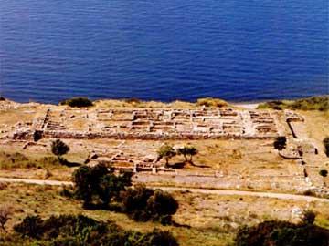 Ο περιτοιχισμένος οικισμός της Μεσημβρίας. Άποψη από την ακρόπολη.