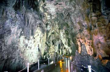 Το σπήλαιο της Αλιστράτης Σερρών.