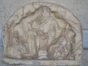 Αναθηματικό ανάγλυφο με τον Πάνα και Νύμφες. 330 π.Χ., Στοά του Αττάλου, Αθήνα.