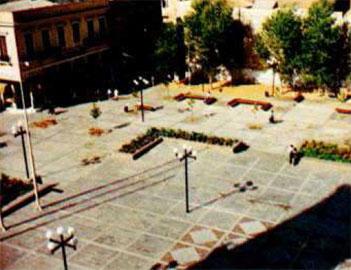Τμήμα της πλατείας Μητροπόλεως μετά τη διαμόρφωση.
