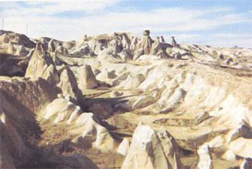 Ο απόκοσμος διάκοσμος των «καμινάδων νεράιδων» στην Καππαδοκία.