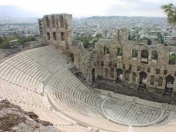 Το Ωδείο Ηρώδη του Αττικού κτίστηκε στους πρόποδες της Ακρόπολης το 160-174 μ.Χ.