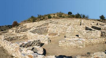 Ο αρχαιολογικός χώρος Πετρών.