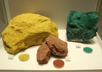 Φυσικές χρωστικές ύλες: κίτρινη ώχρα, κόκκινη ώχρα, μαλαχίτης.
