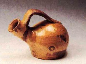 Θεσσαλικός επιχύτης για το πλύσιμο των χεριών, Λαογραφικό Μουσείο Λαρίσης.