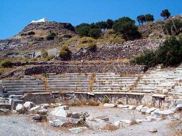 Το αρχαίο θέατρο στην περιοχή της Τρυπητής, στη Μήλο.