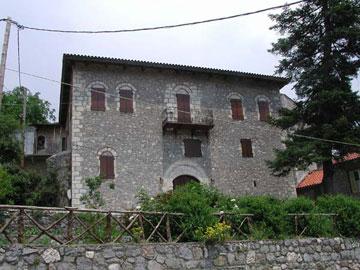Το Λαογραφικό Μουσείο Στεμνίτσας.
