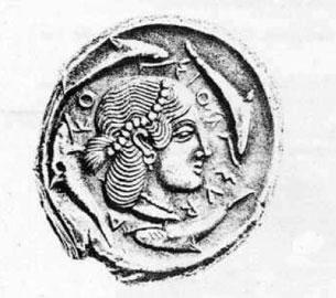 Κεφάλι της Αρέθουσας, νύμφης που ήρθε από την Πελοπόννησο στην Ορτυγία, σε νόμισμα των Συρακουσών της κλασικής περιόδου.