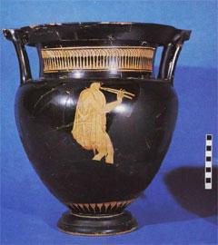 Μετά τη συντήρηση. Αυλητής στην κύρια όψη κιονοειδούς ερυθρόμορφου κρατήρα (490-480 π.Χ.) από την αρχαία Αγορά της Αθήνας.