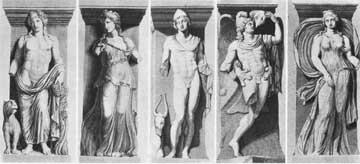 Ο Διόνυσος, η Μαινάδα, ο Διόσκουρος, ο Γανυμήδης, ο Δίας και η Αύρα της Incantada.