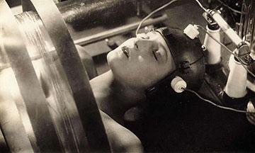 Η δημιουργία του ρομπότ, από τη Μητρόπολη του Φ. Λανγκ (1926).
