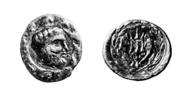 Ένα από τα δύο σωζόμενα νομίσματα της Ελίκης με τον Ποσειδώνα και την τρίαινα (Staatlichen Museen Berlin, αρ. 27611).