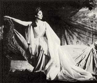 Η Μαρία Κάλλας ως Νόρμα στην ομώνυμη όπερα του Μπελίνι.