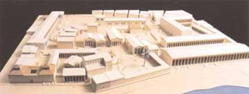 Μακέτα του Ιερού του Απόλλωνα και της Αγοράς των Δηλίων. Κάτω δεξιά διακρίνεται η Στοά του Φιλίππου.