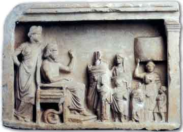 Αναθηματικό ανάγλυφο, οικογένεια με προσφορές προς τον Ασκληπιό και την Υγίεια, 350-300 π.Χ., Βερολίνο, Antikensammlung