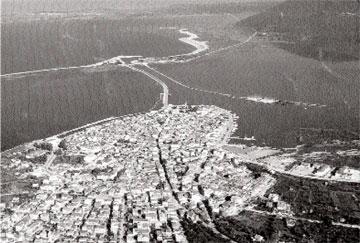 Η πόλη της Λευκάδας και το φρούριο.