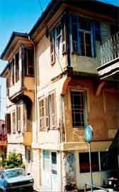 Άποψη του κτιρίου από την οδό Δημ. Πολιορκητού