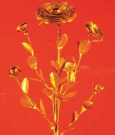 Το χρυσό τριαντάφυλλο της Αβινιόν. 14ος αι. Musee National du Moyen-Age.