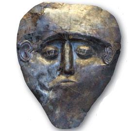 Νεκρική προσωπίδα από ήλεκτρο, η αρχαιότερη από τις νεκρικές προσωπίδες των Μυκηνών. Μέσα 16ου αι. π.Χ.