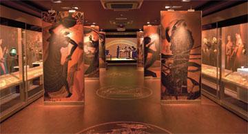 Μερική άποψη του εκθεσιακού χώρου του 4ου ορόφου με τη νέα μόνιμη έκθεση του Μουσείου Κυκλαδικής Τέχνης.