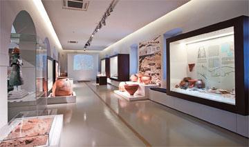Αρχαιολογικό Μουσείο Ναυπλίου: γενική άποψη της νέας έκθεσης.