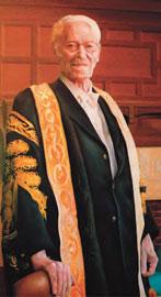 Προσωπογραφία του Σερ Κέννεθ Ντόβερ, Colin Dunbar. Λάδι σε καμβά, 2006.