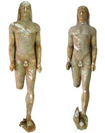 Οι δύο μαρμάρινοι κούροι της Αρχαϊκής εποχής που βρέθηκαν στα χέρια αρχαιοκαπήλων.