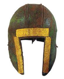 Χάλκινο κράνος από τους αρχαϊκούς τάφους του Τρεμπένιστε. Μουσείο Σόφιας.