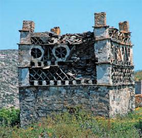 Περιστεριώνας στο χωριό Μυρσίνη της Τήνου.