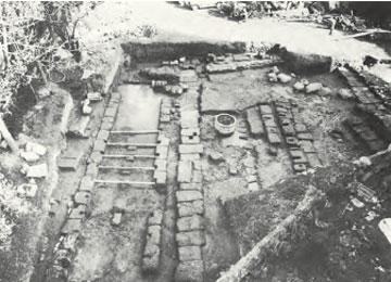 Κως. Νεώρια που αποκαλύφθηκαν κατά την ανασκαφή.