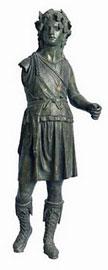 Διόνυσος, χάλκινο αγαλμάτιο από τη Χόχλια Ευρυτανίας. Εθνικό Αρχαιολογικό Μουσείο.