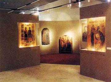 Αίθουσα του Βυζαντινού Μουσείου Καστοριάς.