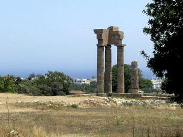 Άποψη του ναού του Πυθίου Απόλλωνα στη Ρόδο.
