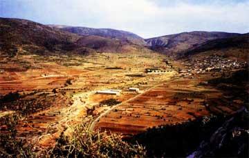 Το χωριό Πρόσυμνα στην Αργολίδα και η γύρω του περιοχή όπου διεξάγεται η αρχαιολογική έρευνα.