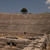 "Restoration of ancient theatre of Dodoni ""in good hands"""
