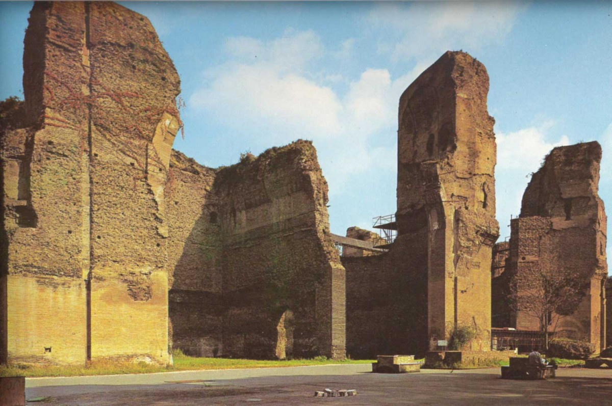Those backing the project envisage millions of tourists having the chance to loll in the Baths of Caracalla, or stroll through the ancient forum.