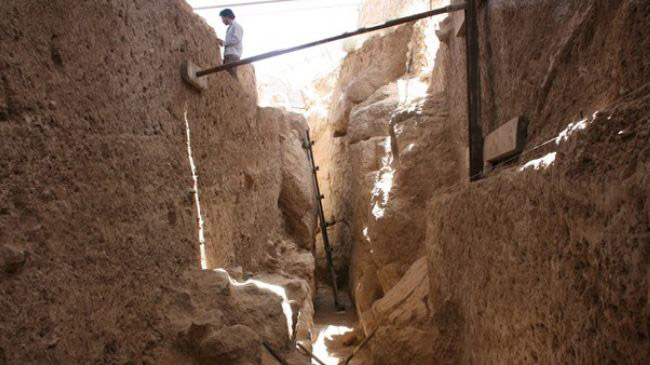 Digging for Persepolis' sewage system.
