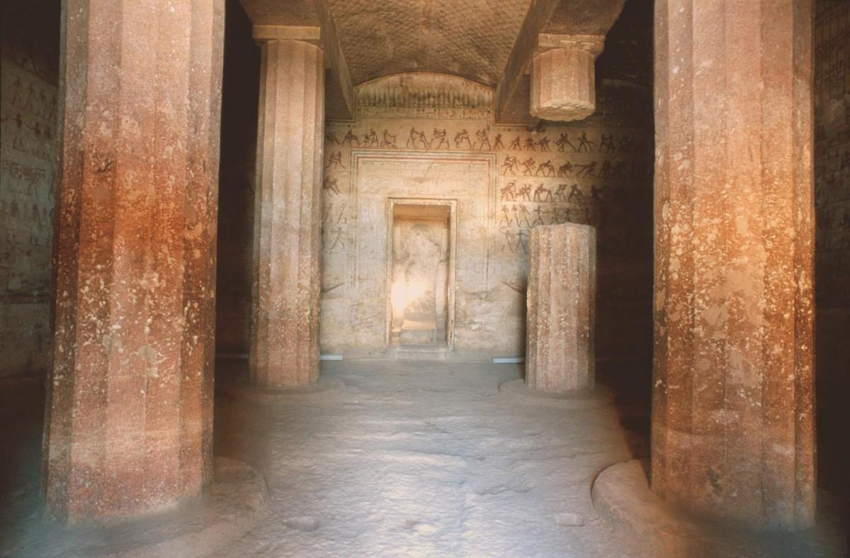 Beni Hassan tomb interior.