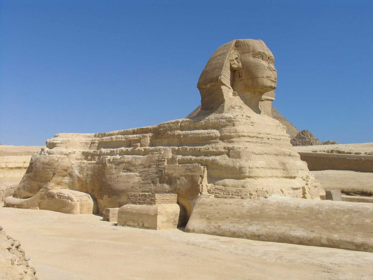 Is the Egyptian Sphinx threatened?
