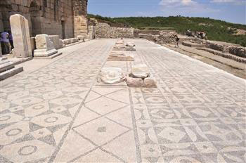 During the excavations a new odeon, roads and mosaics have been discovered in the city.