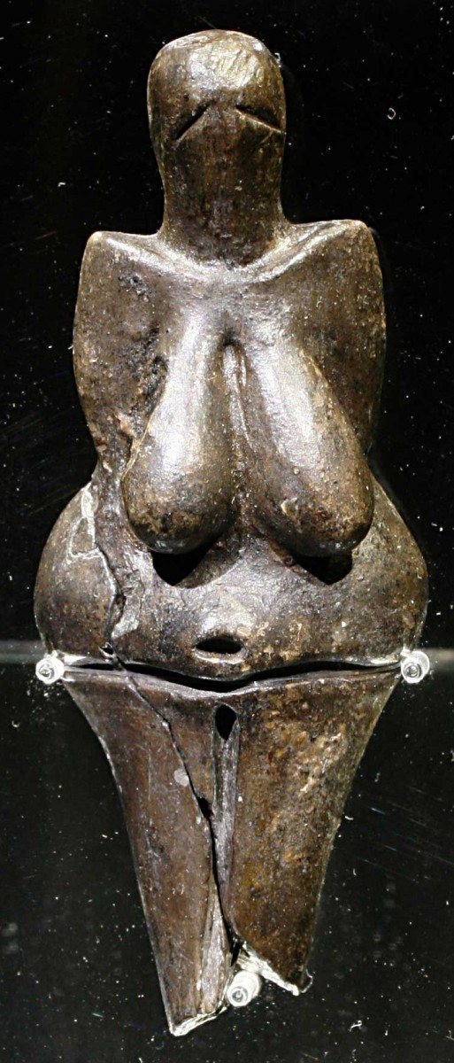 The Venus of Dolni Vestonice, nude female figure dated to 29 000-25 000 BP (Gravettian industry) was found at a Paleolithic site in the Moravian basin south of Brno.