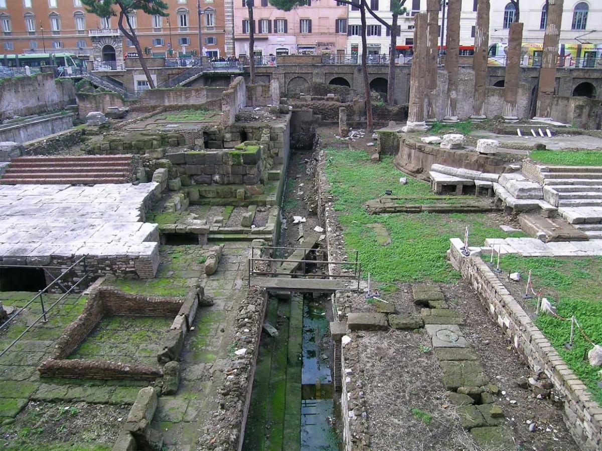 Is this the monumental complex in Torre Argentina, Rome, commemorating where Julius Caesar was stabbed? (Credit: Antonio Monterroso/CSIC)