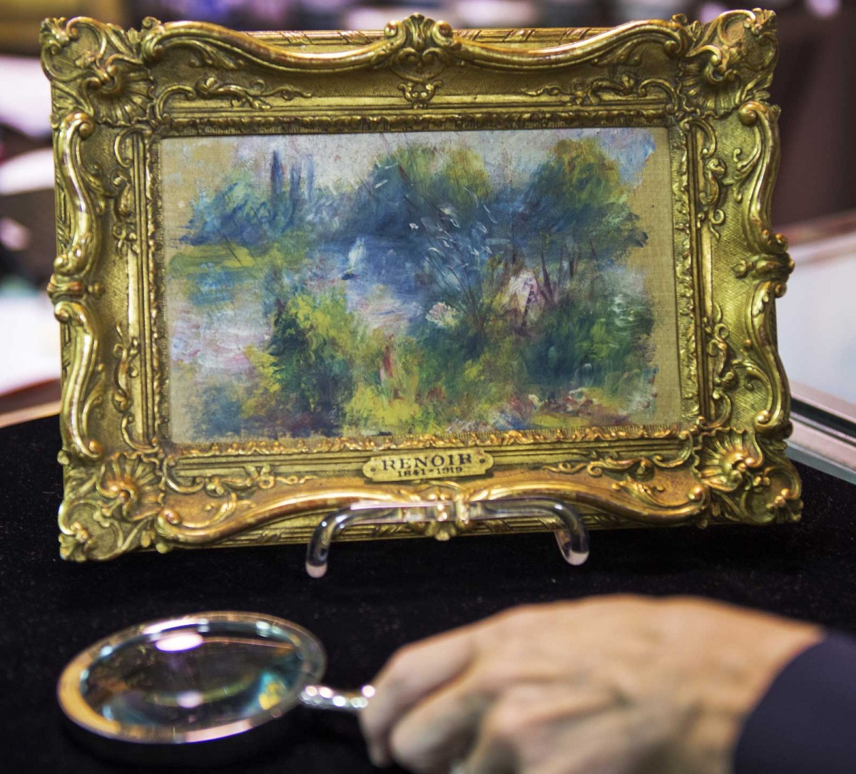 The painting was stolen from the Renoir gallery on Nov. 17, 1951.