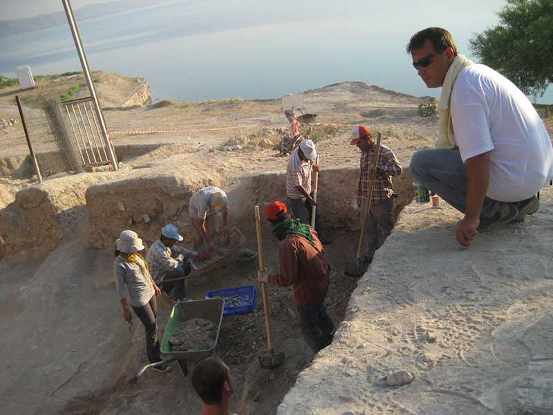 Fig. 7. A team from Ankara University is excavating the remains of a Roman house in hopes of learning more about the private lives of Zeugma's ancient residents. (Matthew Brunwasser)