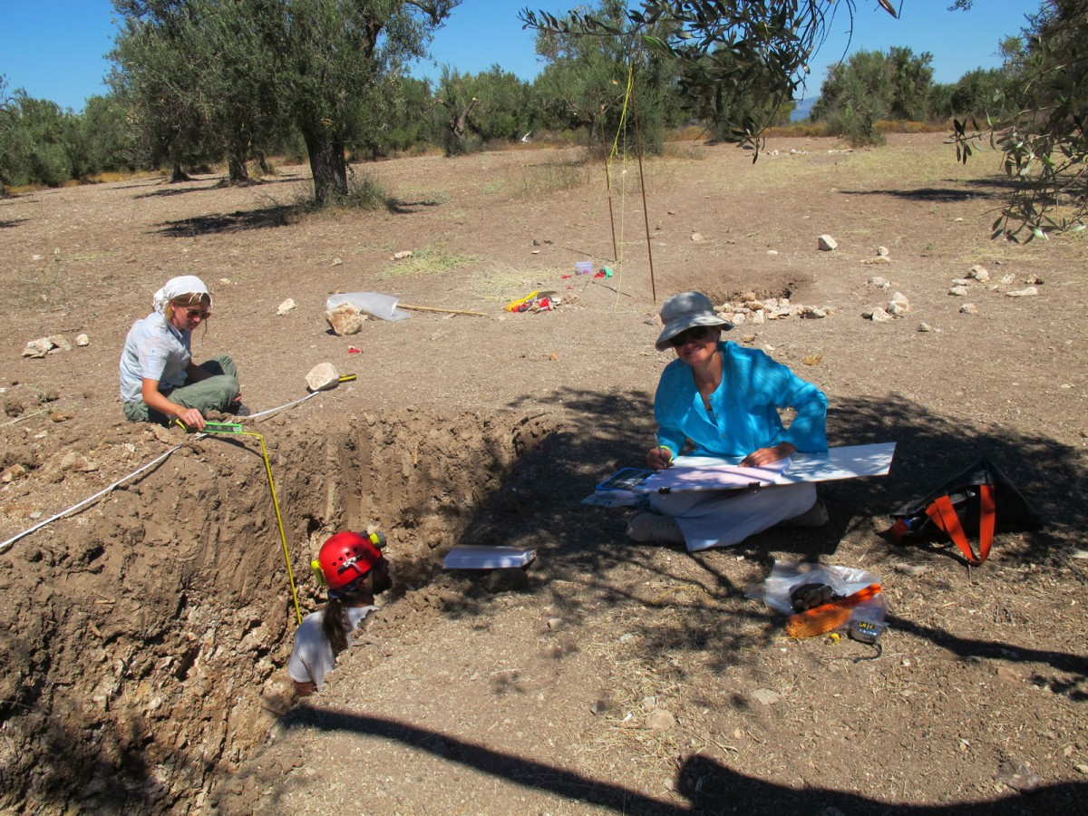 Acheulean hand axes and chopping tools were found in Rodafnidia site, at Lisvori (Lesvos).