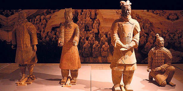 """Four historic terracotta warriors will be part of the items on display in the exhibition """"Çin'in Hazineleri,"""" opening today at İstanbul's Topkapı Palace."""