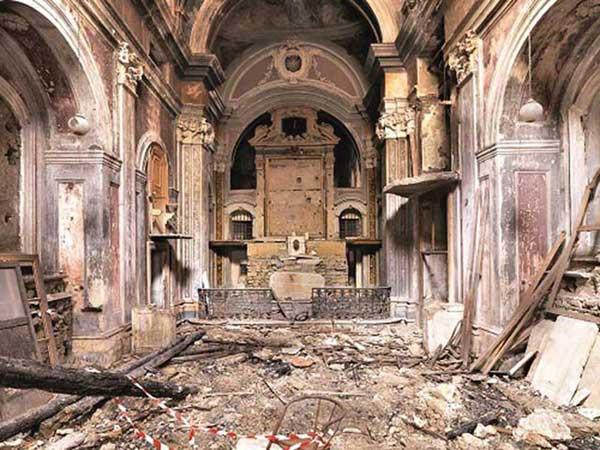 The church of Santa Maria della Scorziata, lying in ruins.