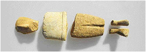 Fig. 1. Fragments from different marble figurines found during the excavations at Kavos on Keros.