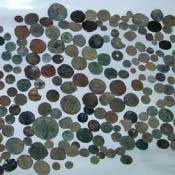 600 Roman coins found in illegal possession